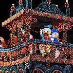 【ディズニーランド】エレクトリカルパレードは目的別に待とう!